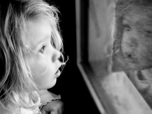 mirror-reflection-child