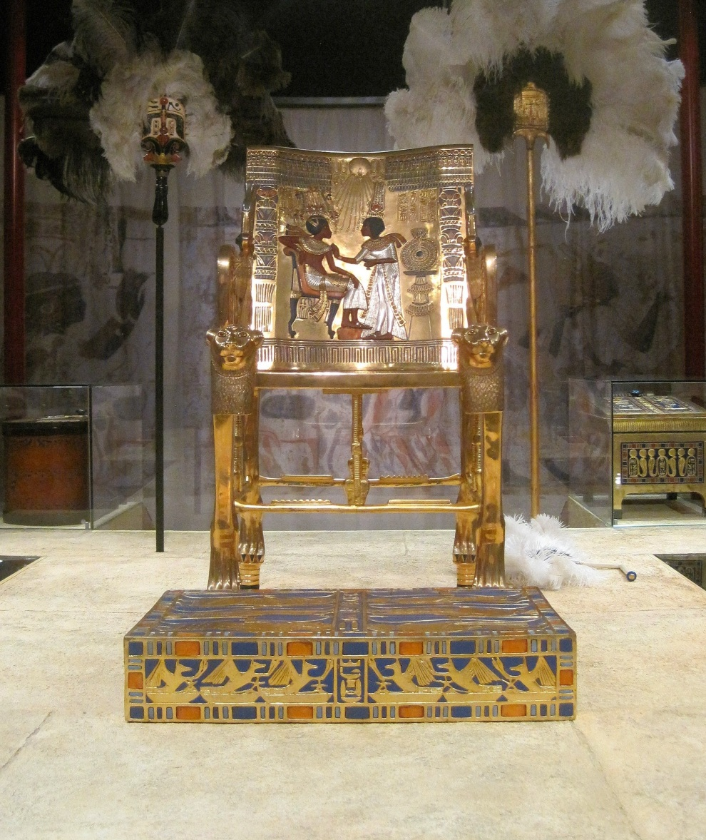 throne-gold-opulent-king-historic-882003