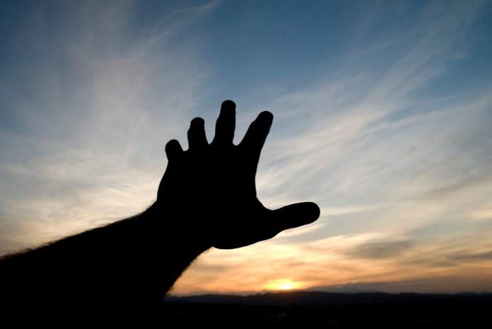 reaching-hand11
