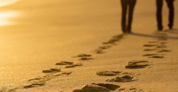footprints_sand.jpg